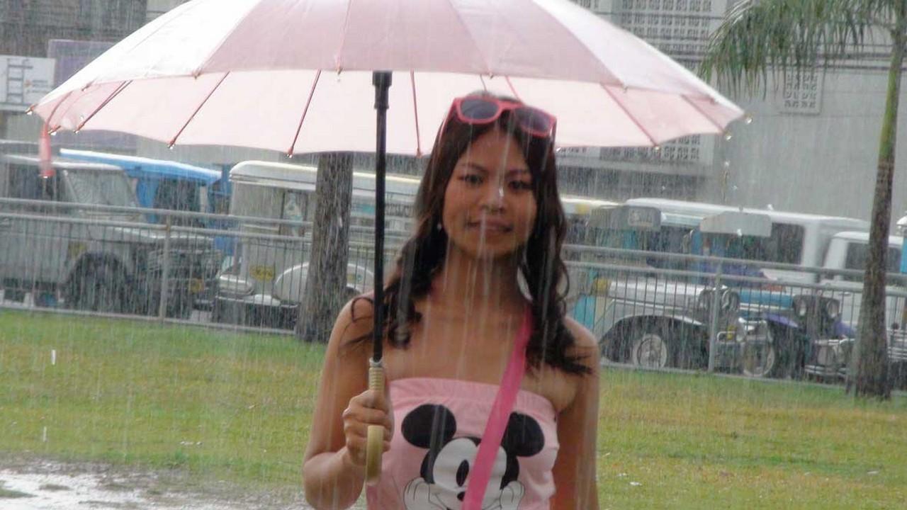 Nicole – Pink Wet Momma